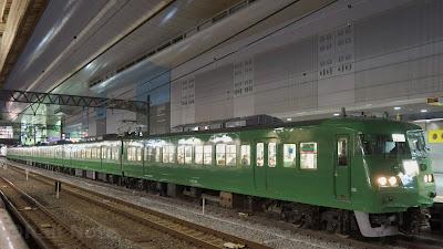 京都駅停車中の117系
