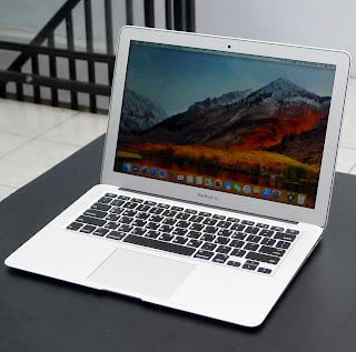 MacBook Air Core i5 13 Inch Early 2015 Di Malang