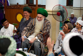 Mawlana Shaykh Hisham Kabbani ar-Rabbani  Excerpted from Pearls & Coral The Path to the Divine Presence
