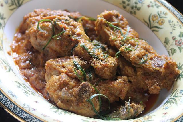 Rendang Ayam Azie Kitchen Sedap dan Tahan Lama