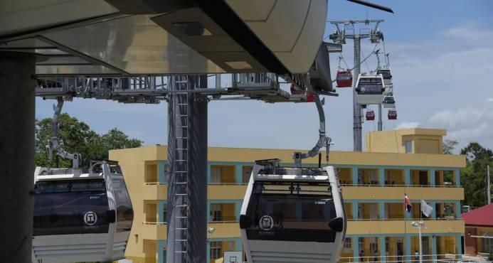 El Teléferico tiene capacidad para transportar 54,000 personas por día