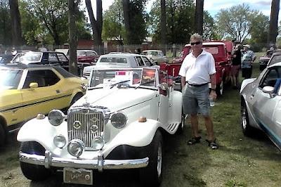 No Canadá, assim como no Brasil, os encontros de carros antigos são populares.