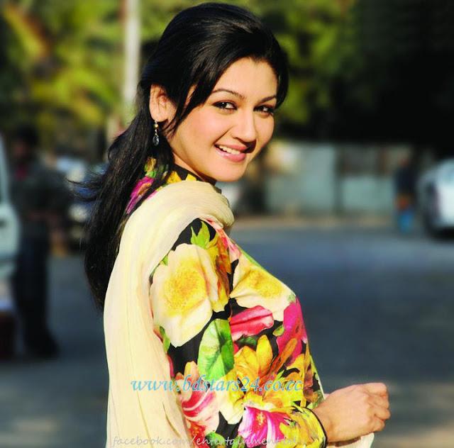 Joya Ahsan Bangladeshi Model And Actress Very Hot,Gorgeous
