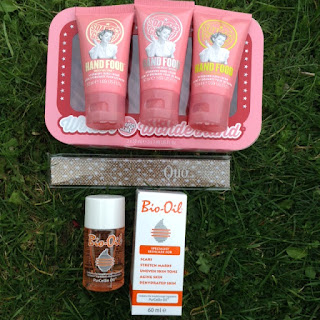 Christmas Gift Idea: Soap & Glory, Quo, Bio Oil, Oh My!