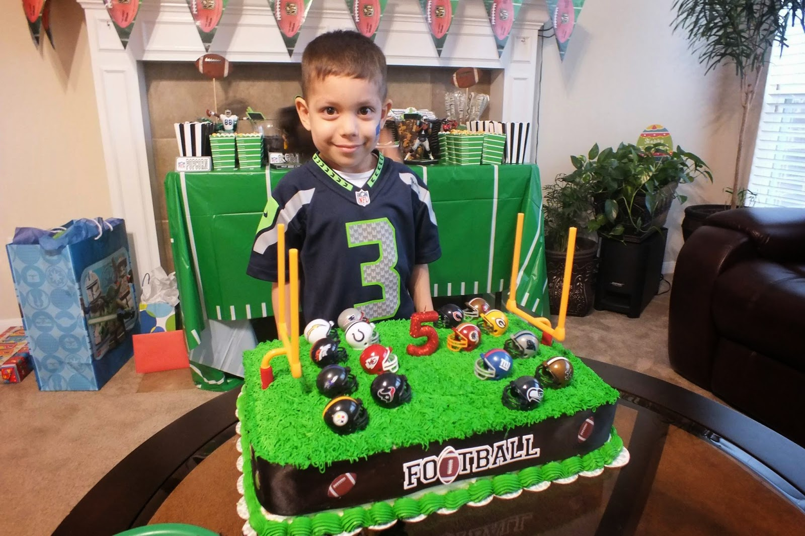 Life As A Wife And Mama Evan S 5th Birthday Nfl Theme