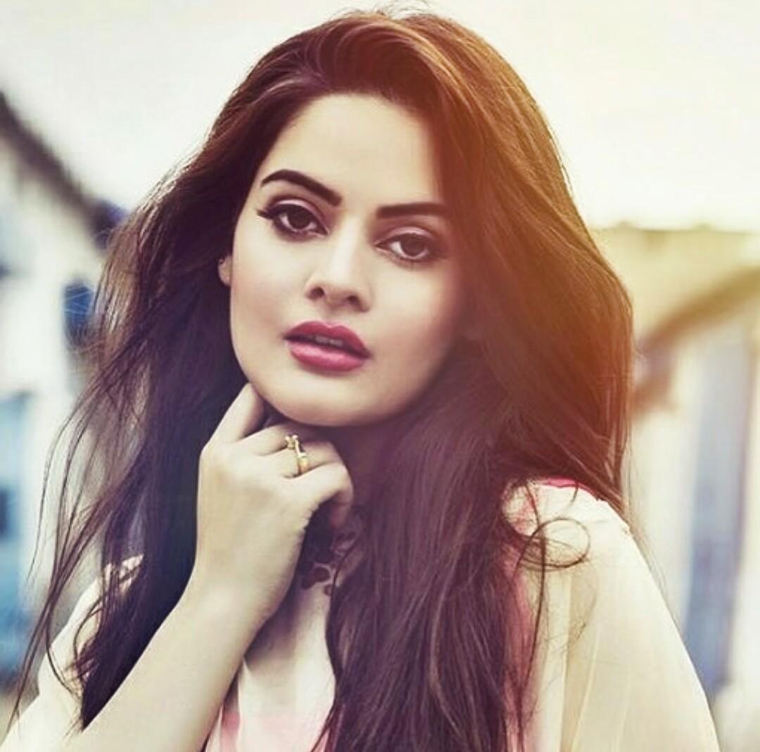 Smart Attitude Girl Hd Wallpaper Minal Khan Latest Pics Beautiful Actress