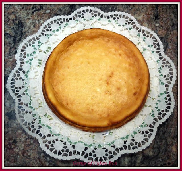 Pastel de queso ricotta y mascarpone ya frío
