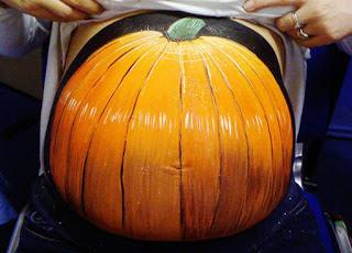 بالصور فن الرسم على بطون الحوامل