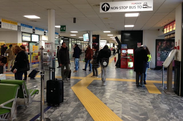 Sobre o aeroporto de Pisa