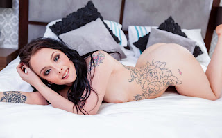 Hot Girl Naked - Alessa%2BSavage-S01-020.jpg