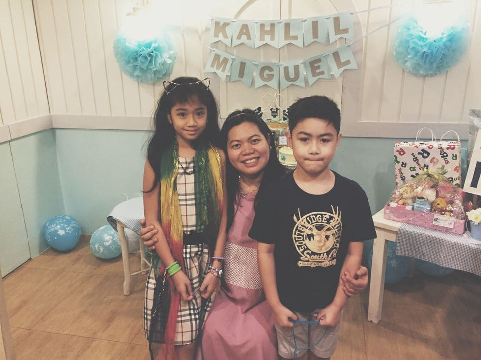 Photo with kids during our Stacy's BGC baby shower
