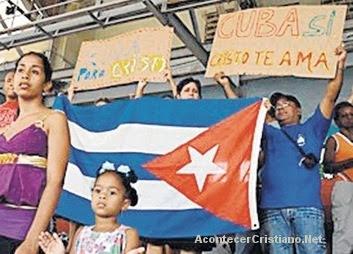 Cristianos evangelizan en Cuba