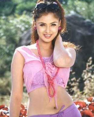 Tamil Actress Simran Navel Show Pictures