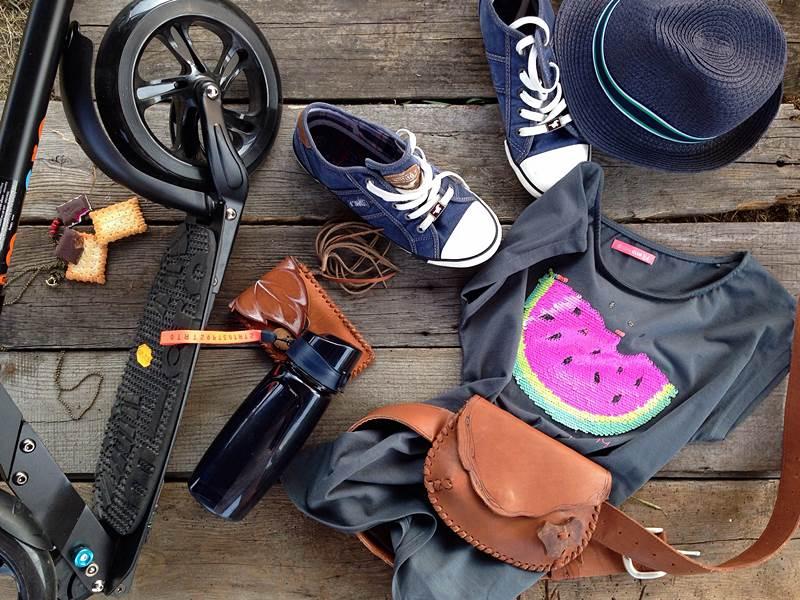 Rzecz o butach wiosenno letnich w stylu sportowym luźnym