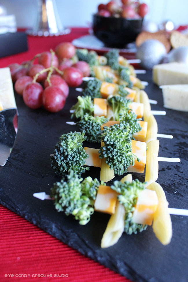 serving holiday appetizers, holiday tablescape ideas, holiday food