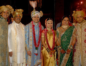 Ritesh Deshmukh Marriage Photograph Classic House Roof Design