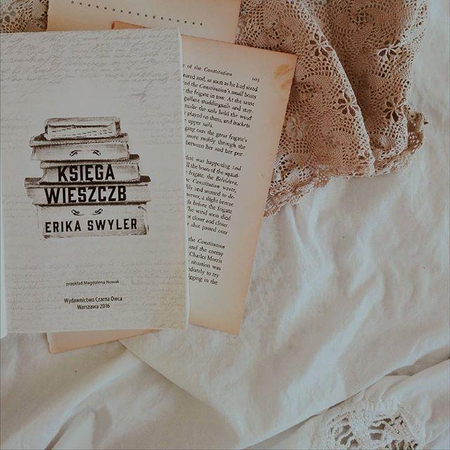 """90. """"Księga wieszczb"""" Erika Swyler"""