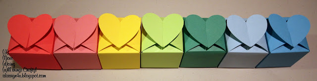 Heart Shaped Favor Boxes by ilovedoingallthingscrafty.com