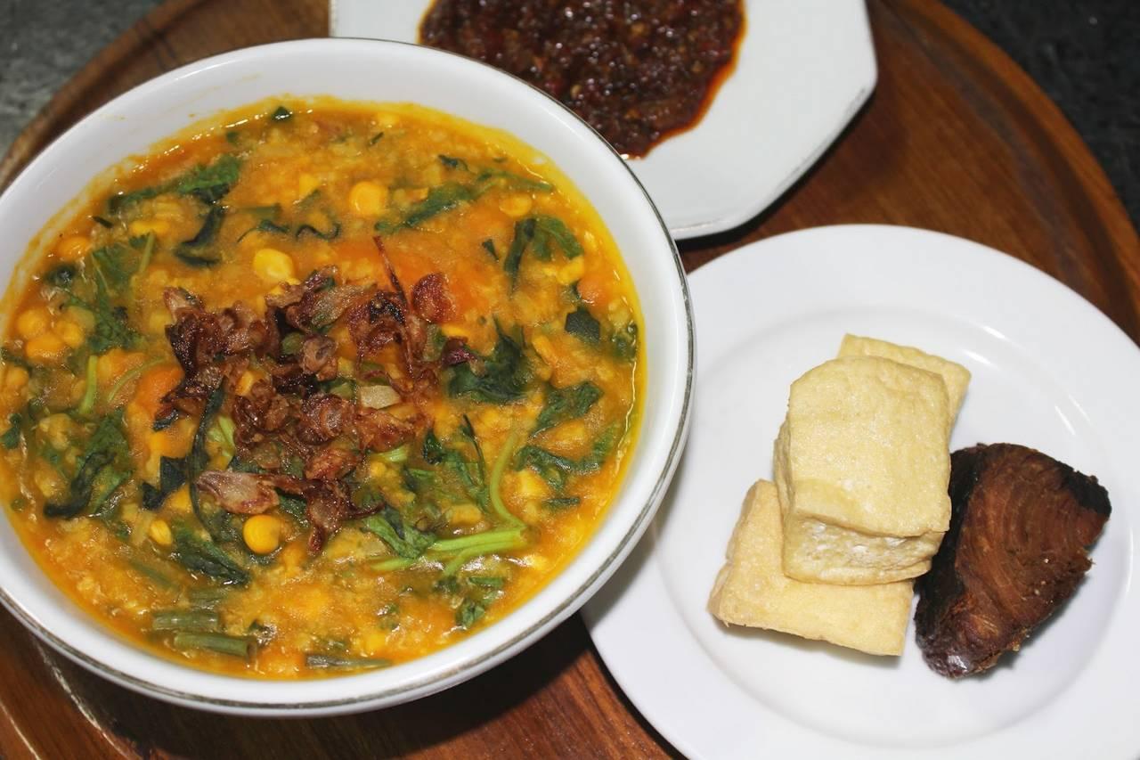 Bubur Manado Tinutuan (indonesianfoods313.blogspot.com)