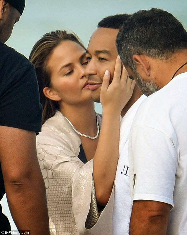 Welcome To Cherry Fortunes Blog Chrissy Teigen Goes -1063