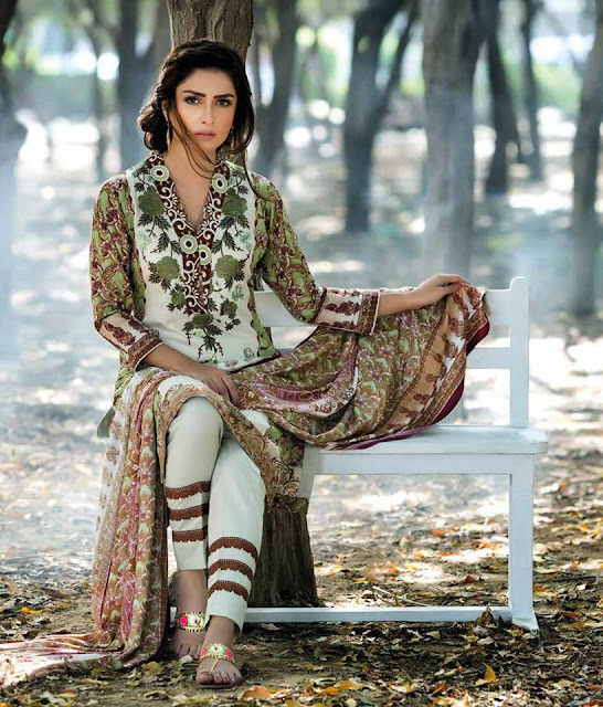 mahrukh-latest-winter-embroidered-shawl-dress-collection-2017-by-zs-textiles-9