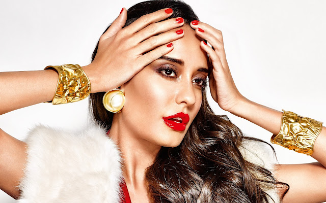 Lisa Haydon Images & Hot Photos
