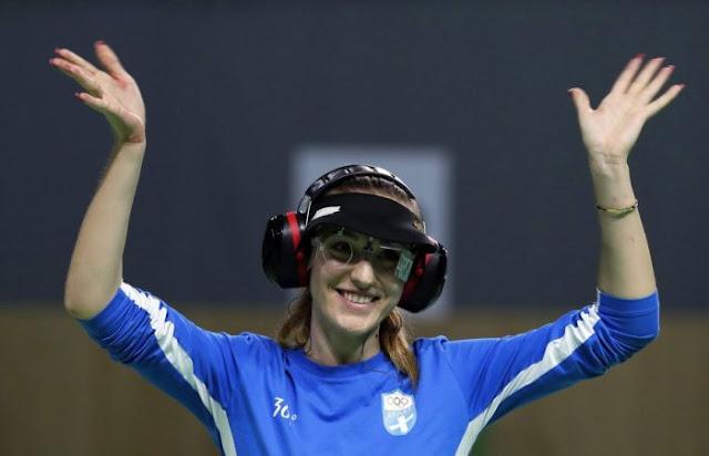 Χρυσό μετάλλιο κέρδισε η Άννα Κορακάκη. Στον τελικό των 25 μέτρων πιστόλι κέρδισε τη Γερμανίδα Χαρς με 8-6