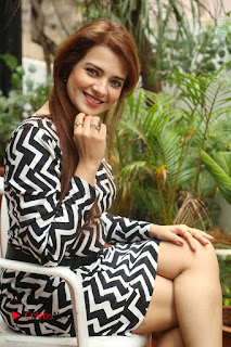 Actress Saloni Latest Pos in Short Dress  0204.JPG