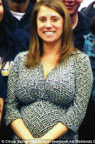 Estudiante que embarazó a maestra recibe compensación