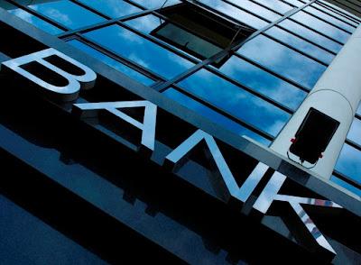 Έρχονται ρυθμίσεις «μαμούθ» από τις τράπεζες και με διαγραφή χρεών