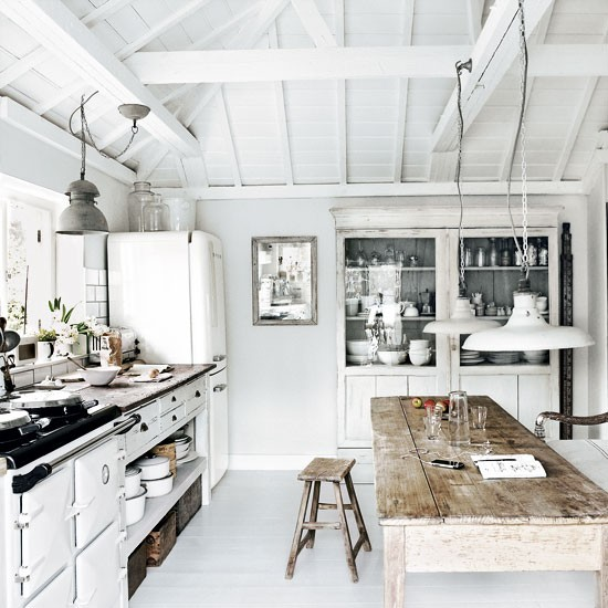 So Here S A Little Inspiration Beautiful 18th Century Summer Cottage By The Sea In Cornwall England It Had Me At All White