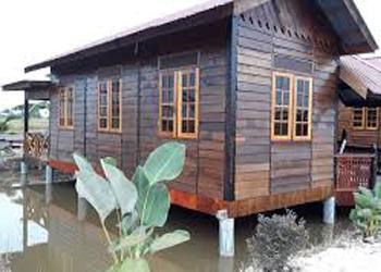940+ Gambar Desain Rumah Kayu Di Atas Kolam Terbaik Download