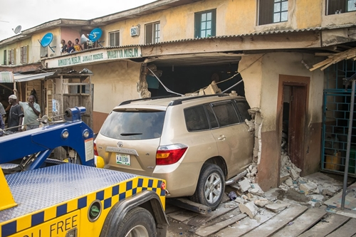 Speeding SUV Skids-off The Road, Rams Into A Mosque In Lagos