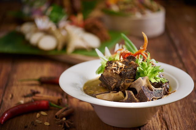 A Clic All Time Favourite Dish On The List Is Sup Gear Box This Remarkably Flavourful Soup Made Out Of Beef Bone Marrow With Our Chef S