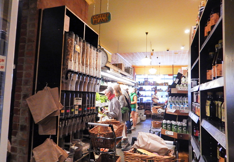 Organic Food Store, High Street, Northcote  - Melbourne Suburb Checklist (8 Must-Dos!)