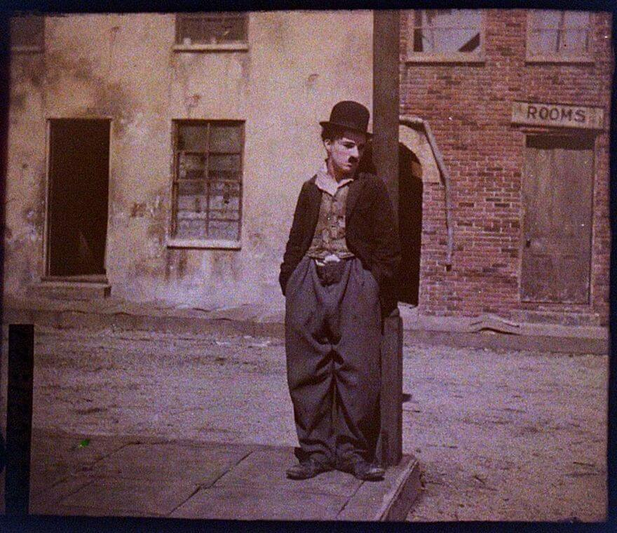 40 Old Color Pictures Show Our World A Century Ago - Charlie Chaplin, 1918