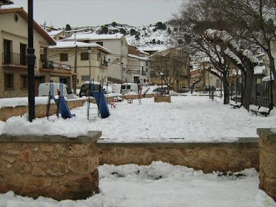 clima, Beceite, nieve, frío, nevada, está nevando, Beseit, neu, parque, columpios