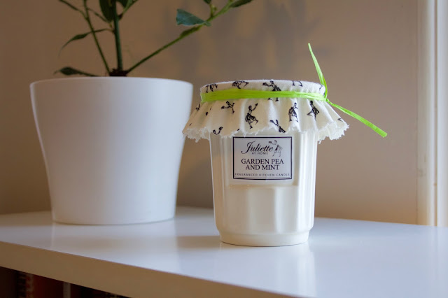 Juliet at Home Sweet Pea & Mint Candle.
