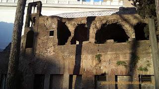 acropole roma predio Apartamentos antigos guia brasileira - A acrópole de Roma: Capitólio