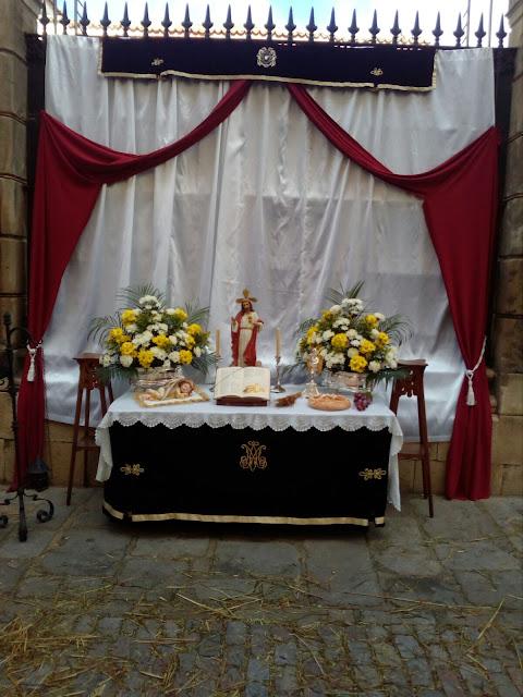 Fotografías del altar ubicado en la Calle Juan Montilla 4