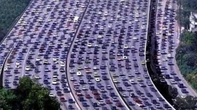 Xarxes de carreteres i embussos: la paradoxa Braess