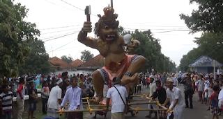 Rayakan Nyepi, Umat Hindu Magetan Bakar Ogoh- Ogoh