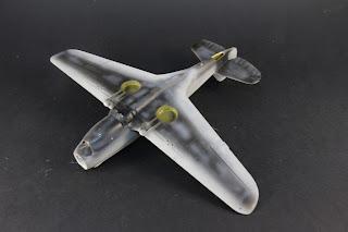 Sur-lignage du Curtiss P-40B Warhawk d'Airfix au 1/48.