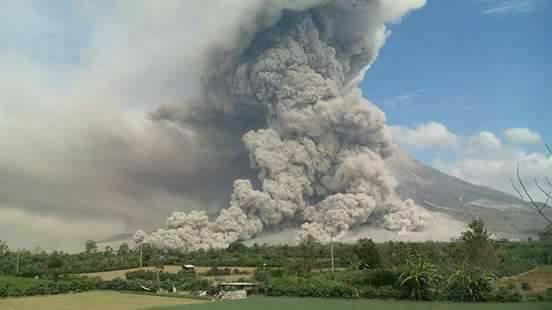 Foto-Foto Erupsi Gunung Sinabung 2 Agutus 2017