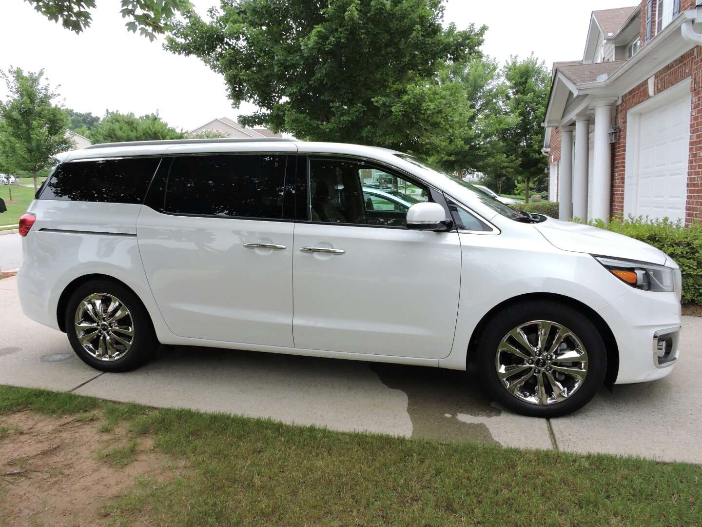 kia long review the sedona car term driving reviews test with days sxl road
