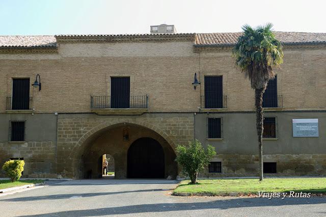 Monasterio de la Oliva, arco de entrada. Navarra