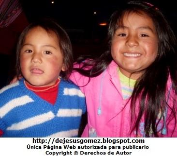 Foto de niñas de la sierra del Perú por Jesus Gómez