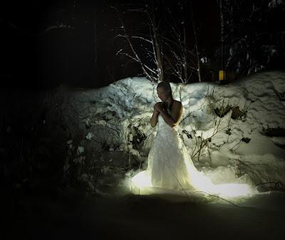 enkeli, nainen, morsian, hääpuku, rukous, talvi, apu, itsetunto, voima