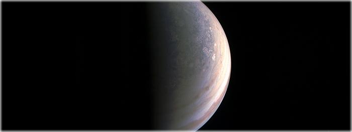 primeiro e mais próximo encontro da sonda Juno com Júpiter