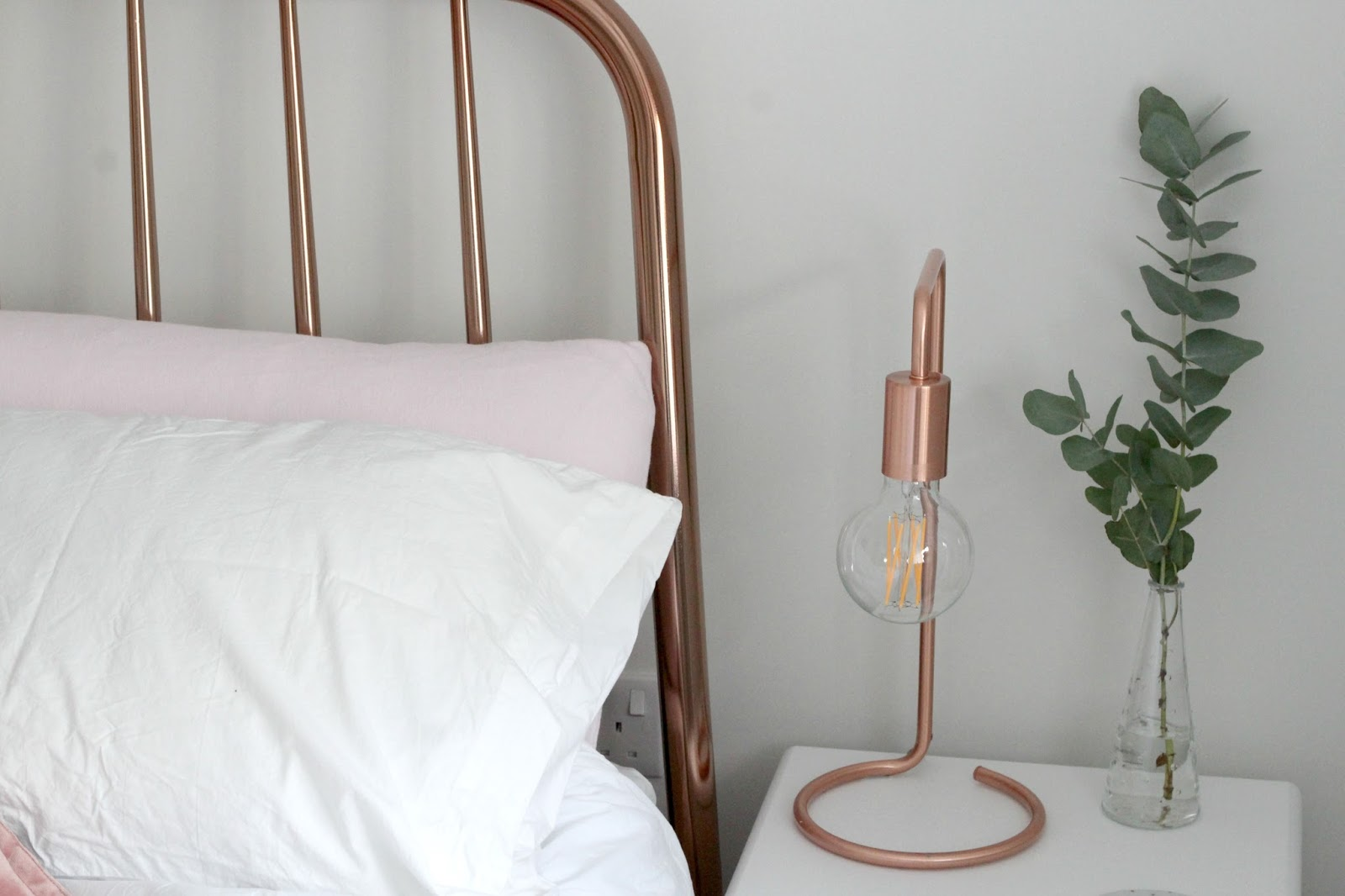copper-table-lamp-oliver-bonas